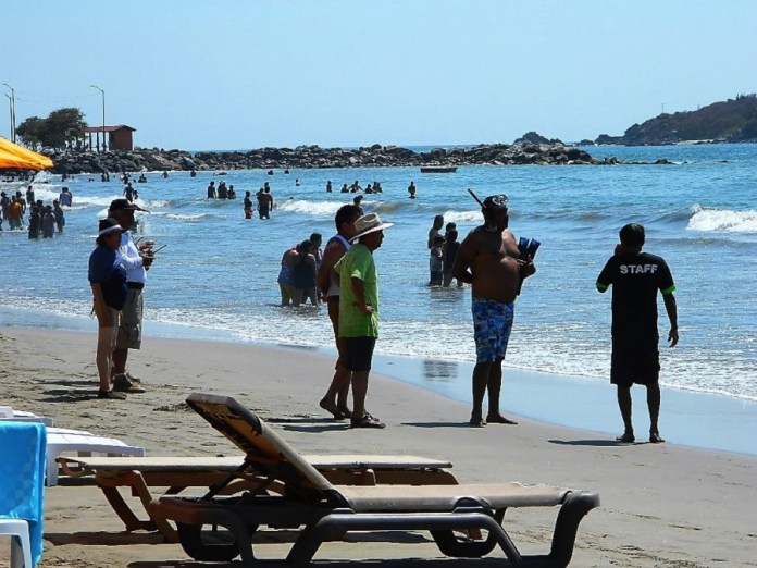 salvavidas-playa-linda-.jpg
