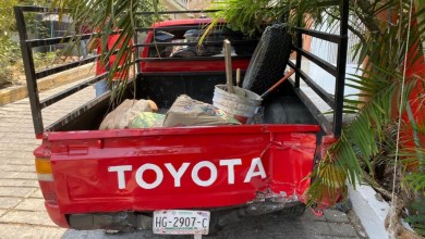 Photo of Se queda sin frenos una camioneta y choca contra un poste en la colonia CTM de Zihuatanejo