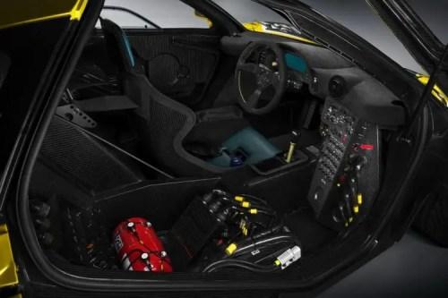 poste conduite McLaren P1 GTR