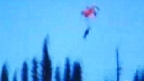 abc skydiver fall nt 130314 wblog Skydiver Craig Stapleton Survives Hitting Ground at 30 MPH