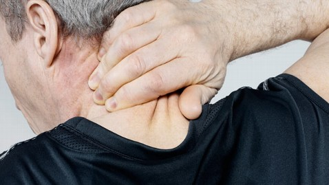 gty neck pain tk 120104 wblog Neck Pain: Chiropractors, Exercise Better Than Medication, Study Says