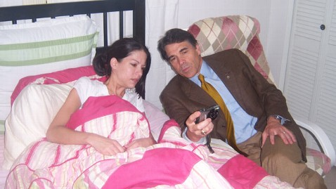 ht rick perry heather burcham bed thg 110915 wblog Fact Check: Perry Met Dying Woman After Vaccine Order