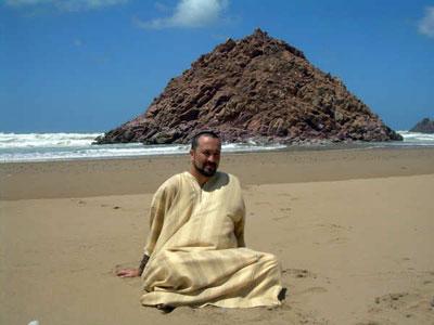 AbdelKarim en la playa de Tiznit
