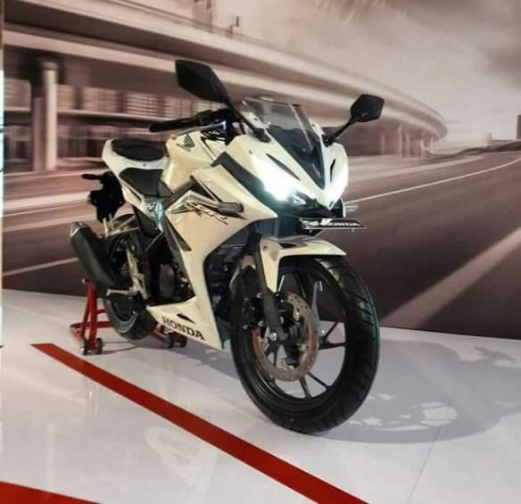 CBR150R warna putih