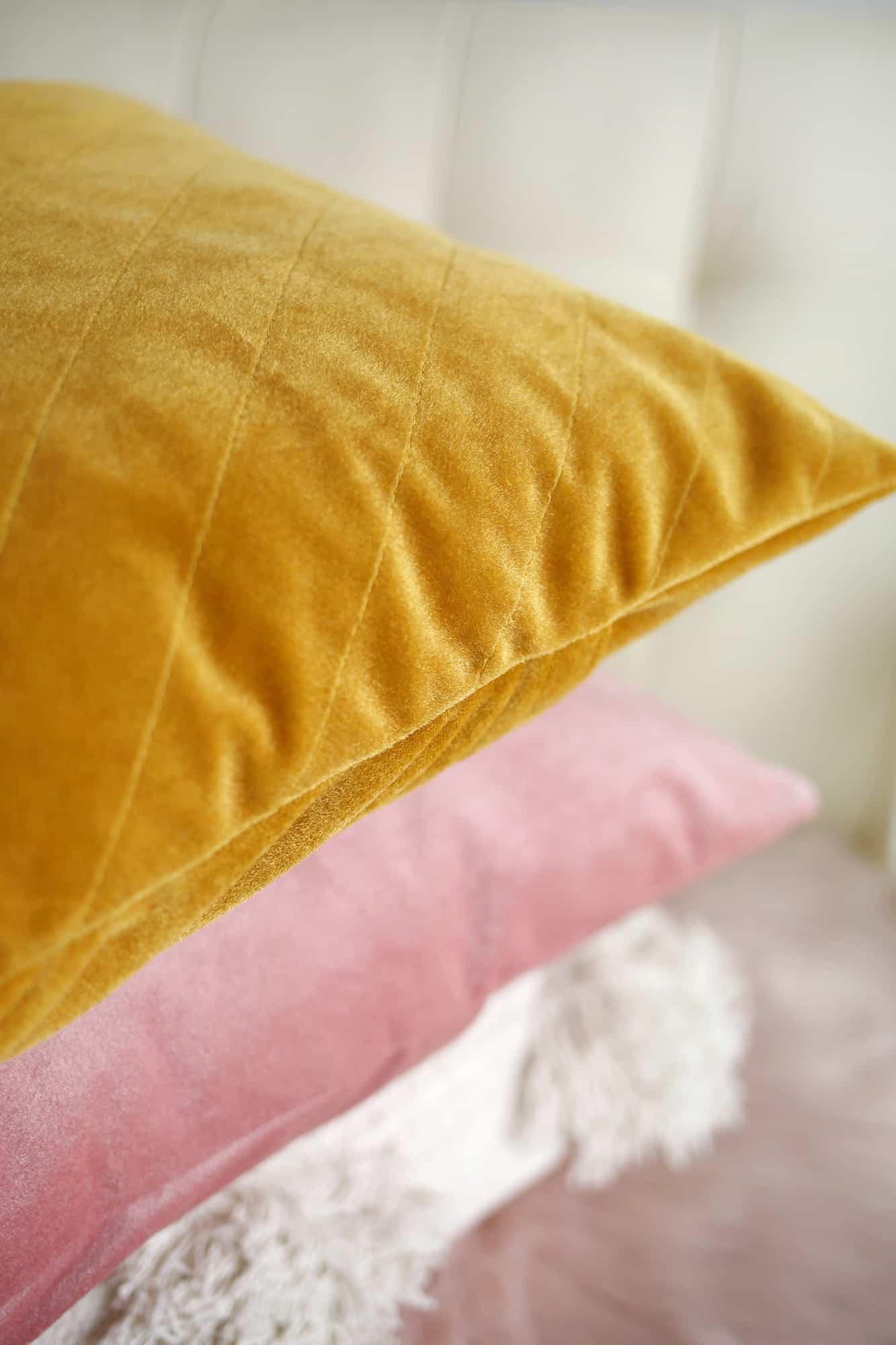 quilted velvet pillows tutorial a