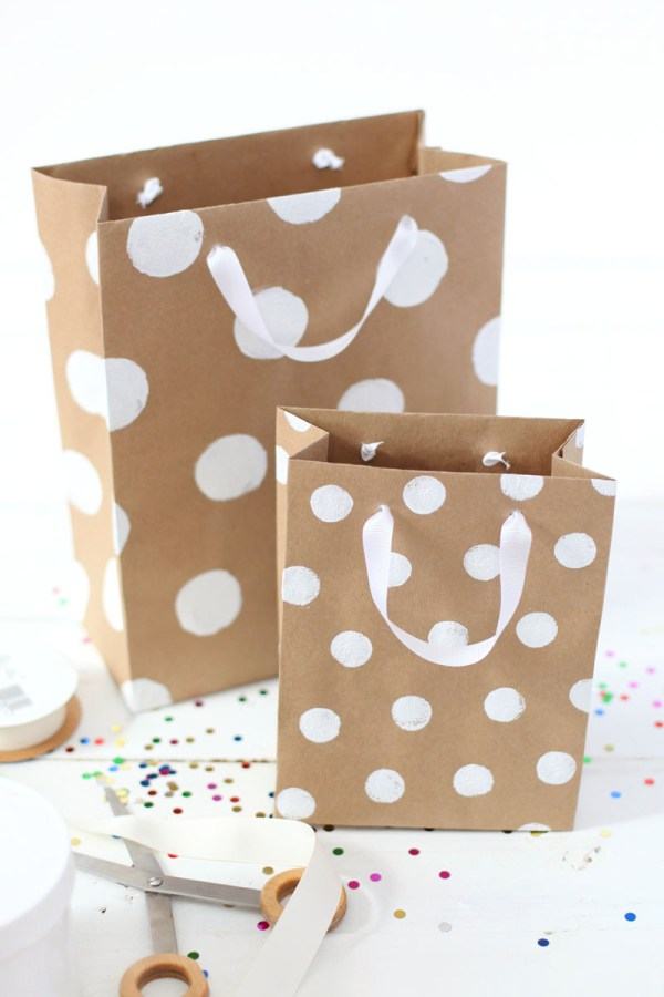 How To Make ProfessionalLooking Gift Bags A Beautiful Mess