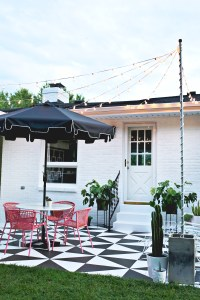 Create Outdoor Patio Lighting Without a Pergola (Renter ...