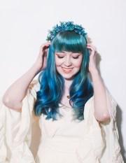 six ways style flower crowns