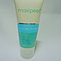 Review: Maxipeel Facial Wash