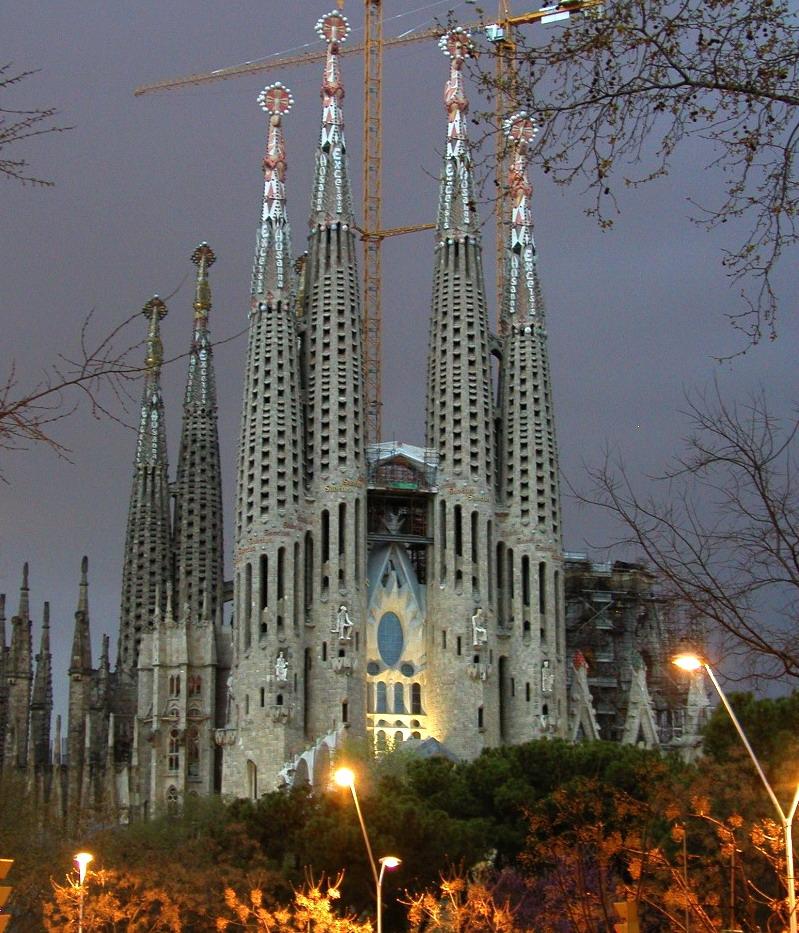 Antoni Gaudí: Templo Expiatorio de la Sagrada Familia (1/6)