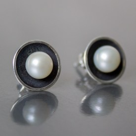 luxurious pearl studs