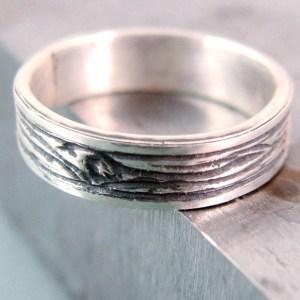 silver woodgrain ring
