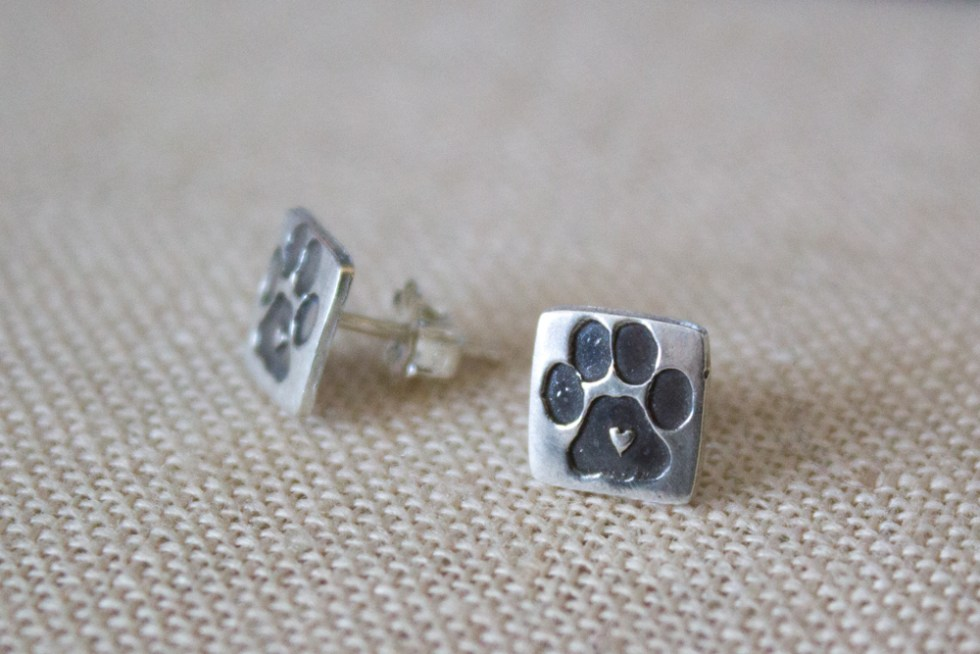 square paw print earring