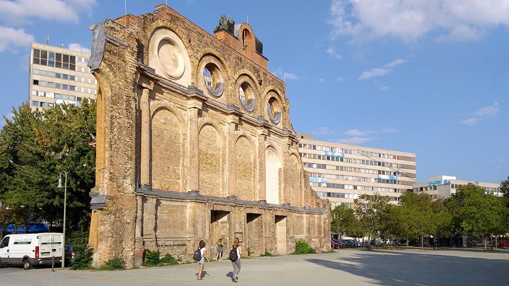 Stiftung plant Exilmuseum am Anhalter Bahnhof