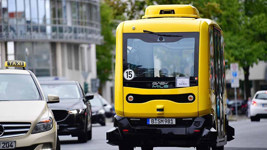 Mit fahrerlosem Kleinbus durch Berlin-Tegel