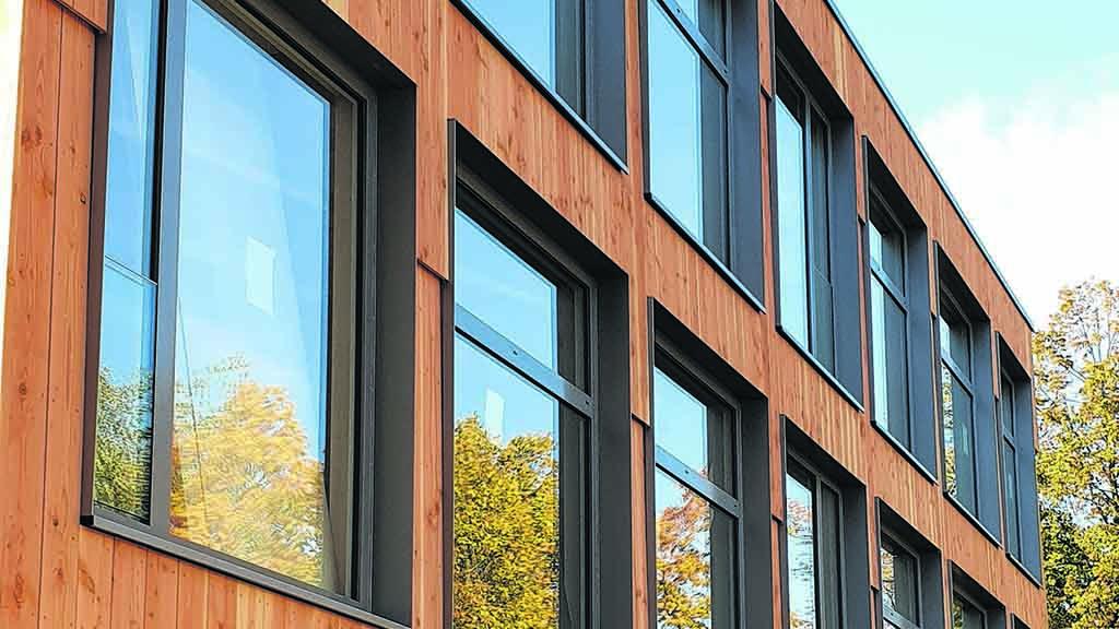Holzschule in Lichtenberg: Richtfest nach nur elf Tagen Bauzeit