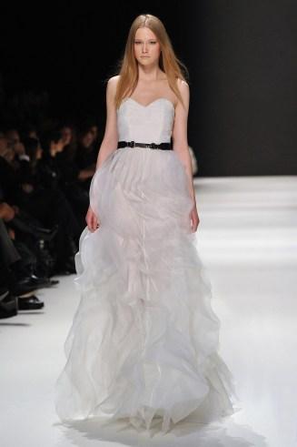 Brautkleid Kaviar Gauche, Volantkleid weiß