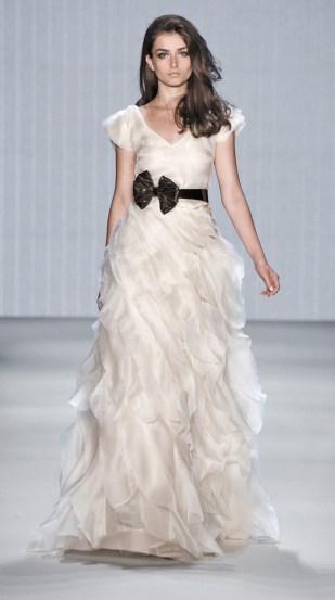 Brautkleid weiß, Volantkleid -  Kaviar Gauche