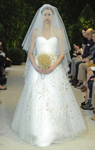 Brautkleid handbemalt, Carolina Herrera