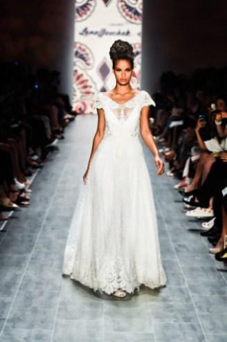 Klassisches Brautkleid - Lena Hoschek 2015