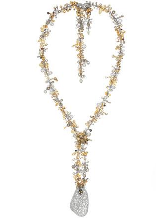 modernes Collier zum Ballkleid - Juwelier Wempe