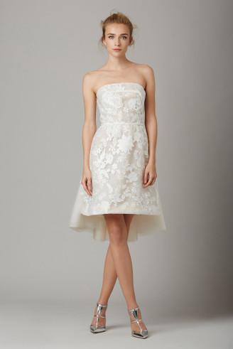 Kurzes Brautkleid aus unterlegter Spitze, Lela Rose - Promi Brautkleider