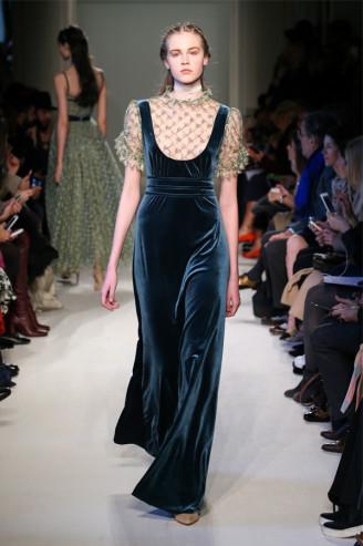 Luisa Beccaria Abendkleid in dunkelblauem Samt