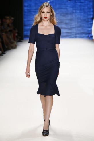 Dunkelblaues Kleid, halbarm. Lena Hoschek