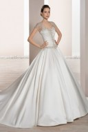 Hochzeitskleid mit Tellerrock