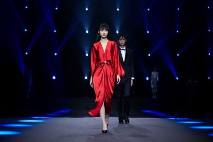 Rote Abendkleider Pierre Cardin