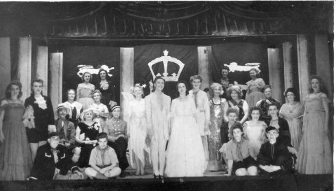 1947 Abergele Sanitorium Pantomime - copyright Gunta Binks. Reproduced with her permission, with thanks.