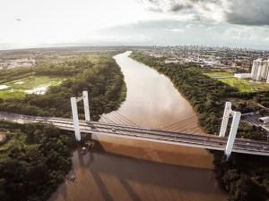 Ponte que liga a cidade à Cuiabá, representando abrir empresa em Várzea Grande