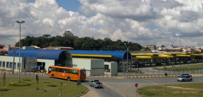 Terminal rodoviário de Fazenda Rio Grande, representando abrir empresa em Fazenda Rio Grande - Abertura Simples