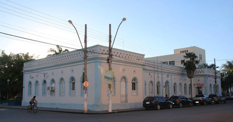Foto da prefeitura da cidade, representando a contabilidade em Januária