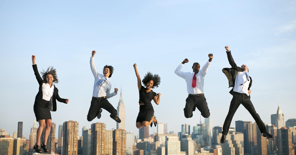 foto de várias pessoas, representando o que os funcionários querem