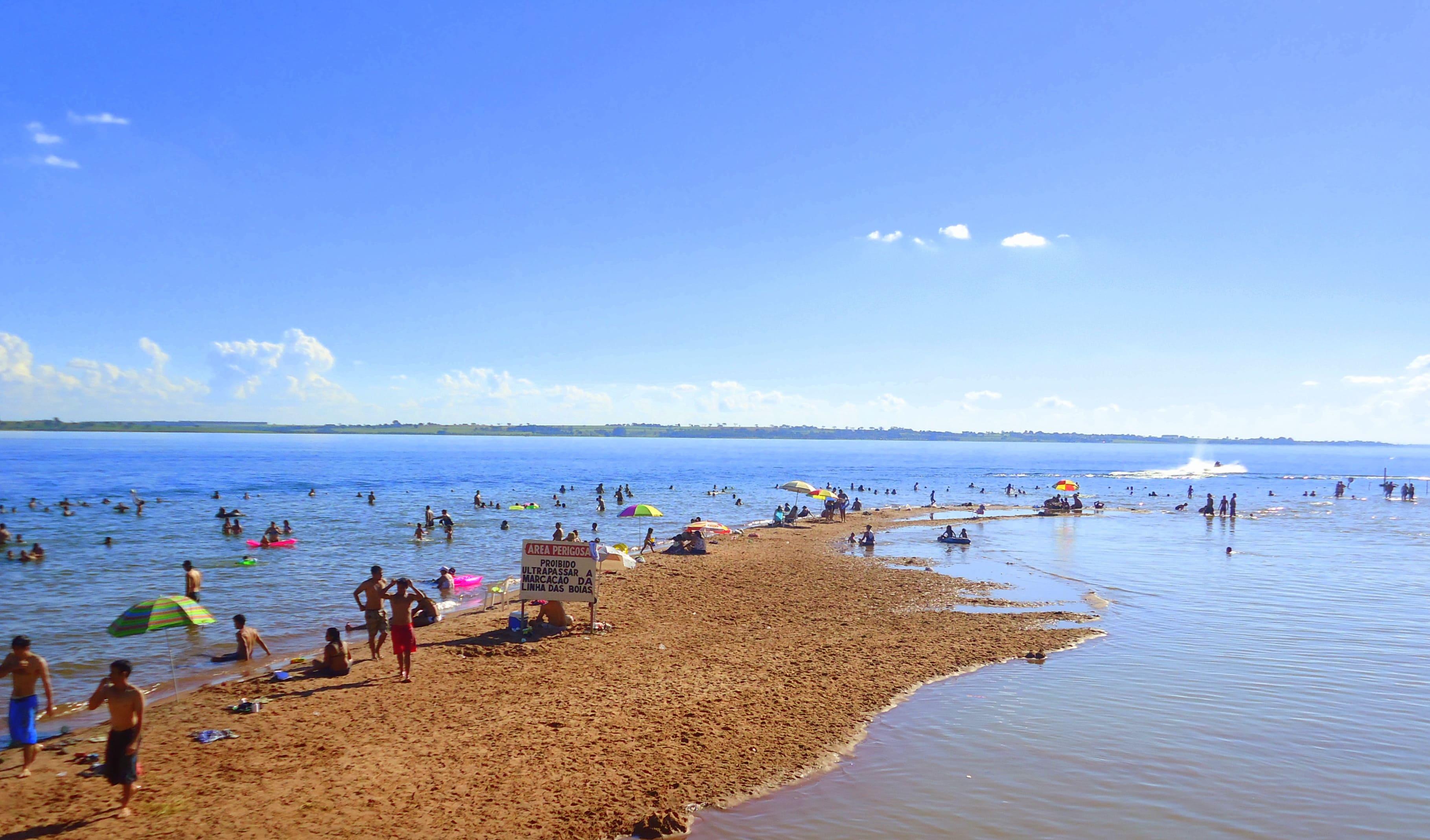 Imagem da praia da cidade para aqueles empreendedores que querem abrir empresa em Sales