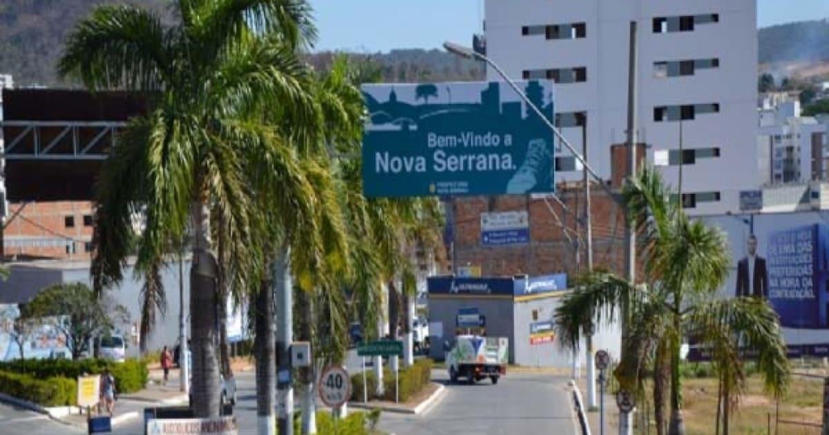 foto de avenida principal da cidade, representando como abrir empresa em nova serrana