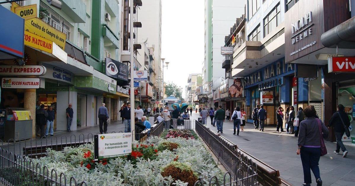foto de rua central da cidade, representando como abrir empresa em santa maria