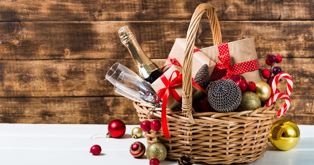 Imagem de uma cesta para remeter ao empreendedor que deseja saber qual a importância de oferecer cesta de Natal para os colaboradores