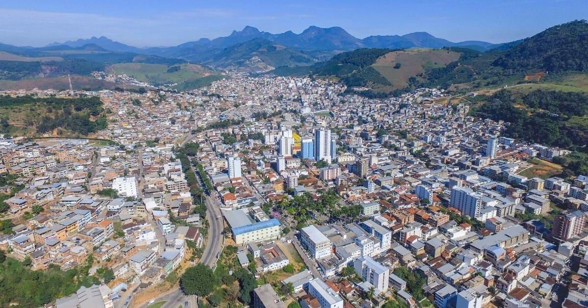 Foto de cima da cidade, representando a contabilidade em manhuaçu