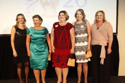 (Da esq. para a dir.) Rosana Dias, Cassilda Teixeira, Nercy Bonato, Ellen Martha Pritsch e Maria Ângela Dumont Sargaço.