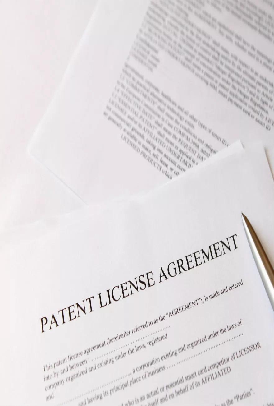 contratos licencia patentes
