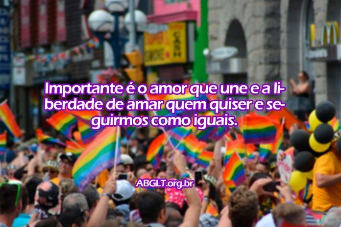 Importante é o amor que une e a liberdade de amar quem quiser e seguirmos como iguais.