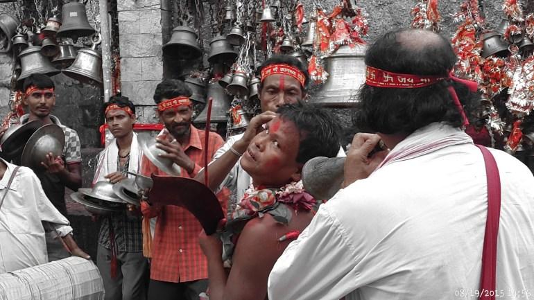 deitees-possess-devotees-at-kamakhya