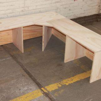 hoekbank meubelmaker nijmegen student studenten studentenkamer studentenhuis maatwerk hout underlayment plaatmateriaal ontwerp smeltkroes honigcomplex honigfabriek