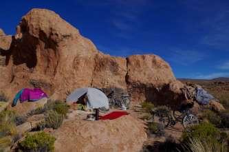 Abri de roche sculptée dans la Valle de las Rocas