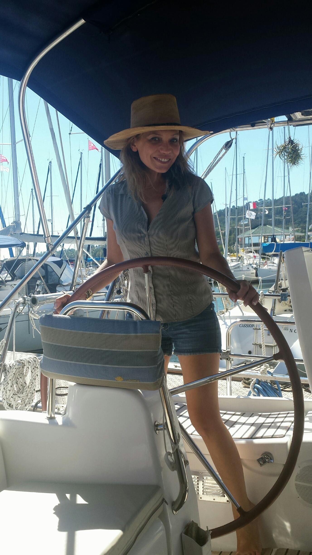 Une Femme à La Mer : femme, Ficanasses,, Femme