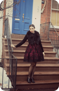 """Fashion Blogger Miss Lumpy looking elegant in our """"In the Dark Garden"""" skirt! http://www.herlumpiness.com/"""