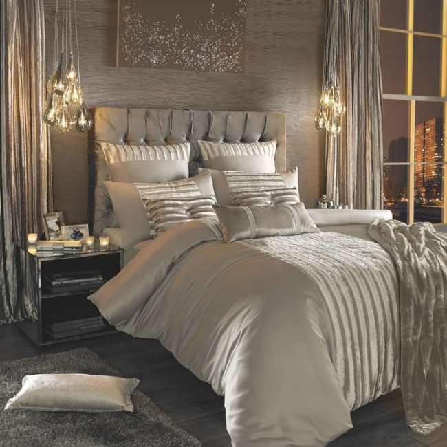 Use artwork above the bed for the focal point in your room