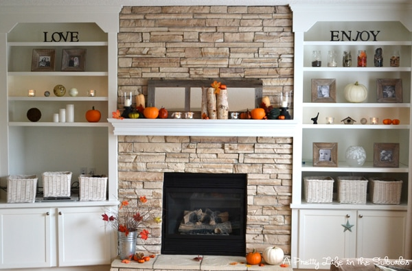 A Pretty Life in the Suburbs Fall Mantel